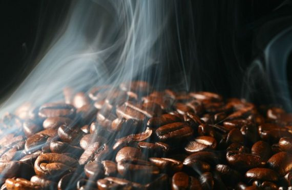 The Differences Between Light and Dark Roast Coffee